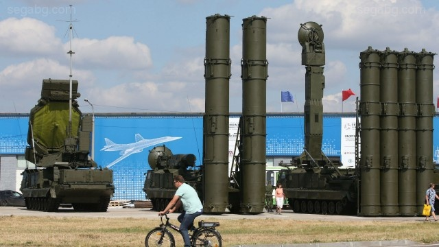Turkey, Russia sign loan deal for S-400 air system