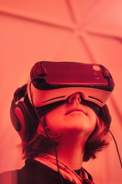 """Bulgaria: Intel Launches """"Smart"""" Glasses For Virtual Reality by the Rnd of the Year"""