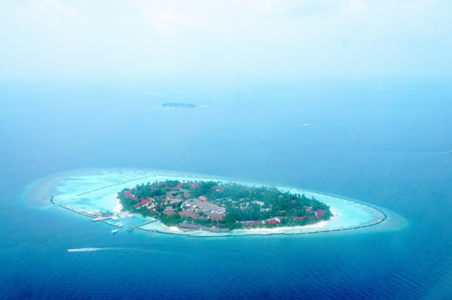Bulgaria: China Advises its Tourists to Avoid Maldives Till Politics Stabilize