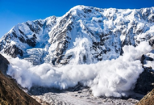Bulgaria: Avalanche Killed Three Skiers in the French Pyrenees