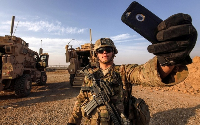 Bulgaria: Russia is Considering Banning Smartphones in the Army