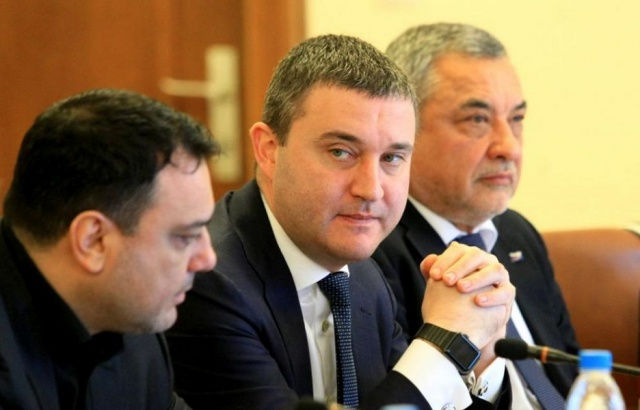 Bulgaria: 13 Municipalities are Facing Bankruptcy, 49% of the Spending goes to Salaries
