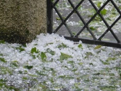 Bulgaria: 15 Minutes Hail and Disaster in Byala Slatina,  Northwestern Bulgaria