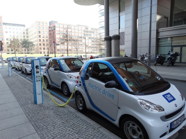 Bulgaria: By 2040, Electric Cars Will Account for about 55% of the Global Sales