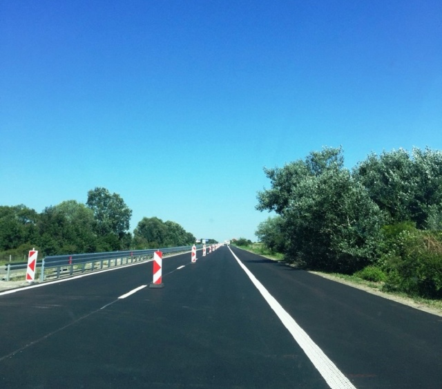 Bulgaria: Trakia Highway is Closed in both Directions near Kameno because of a Fire