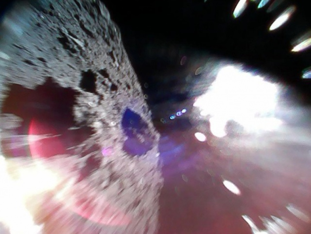 II1 robots sent to space by Japan's Hayabusa-2 reach asteroid