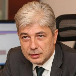Bulgaria: Bulgarian Environment Minister's Opinion on Raising Tax on Old Cars