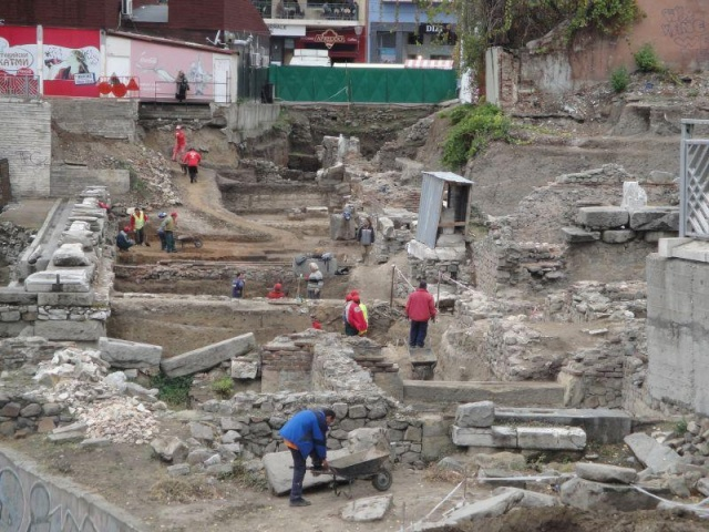 Bulgaria: Archaeologists Found an Ancient Street in the Center of Plovdiv