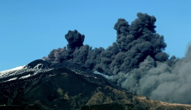 Bulgaria: Mount Etna: New 4.8-magnitude Earthquake Hits Sicily