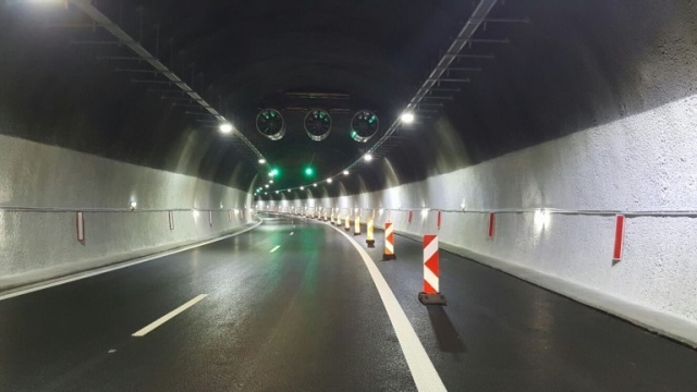 "Bulgaria: The Traffic in the ""Topli Dol"" Tunnel of the Hemus Motorway is Limited"