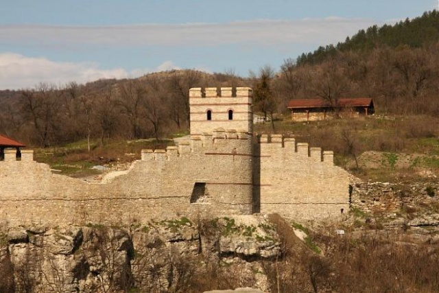 Bulgaria: Excavation Continues in Bulgaria's Trapesitsa Fortress