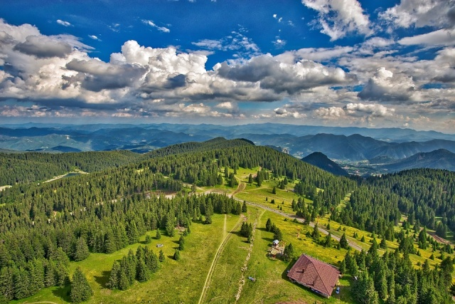 Bulgaria: Mostly Sunny Today, Afternoon with Rainfalls and Thunderstorms in the Southeastern Parts and in the Mountains