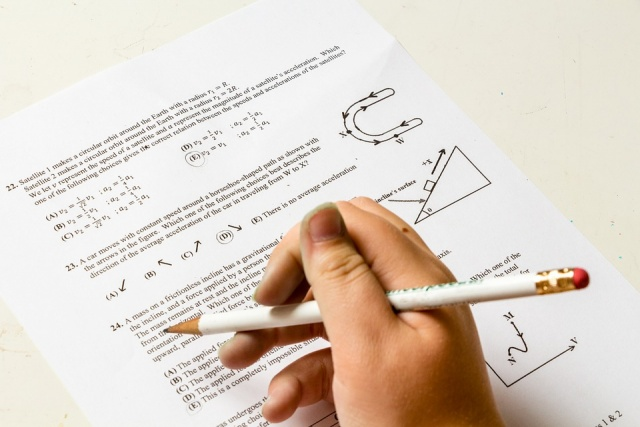 Bulgaria: Most of the High Schools Graduates Will Sit a Biology or English Exam