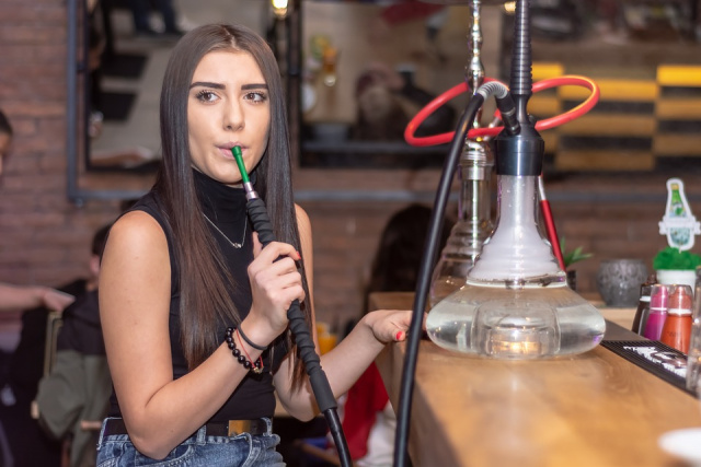 Bulgaria: Will the Lawmakers Ban The Smoking of Hookahs Indoors?