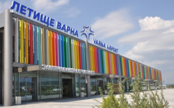 Bulgaria: Russian Holidaymakers Stranded at Bulgaria Airports over Problems with Planes