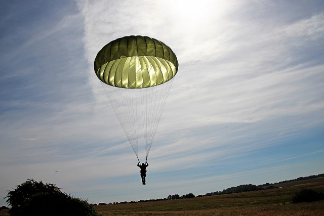Bulgaria: A Woman Survives a 1.5-Kilometer Fall in Canada. Her Parachute Failed to Open
