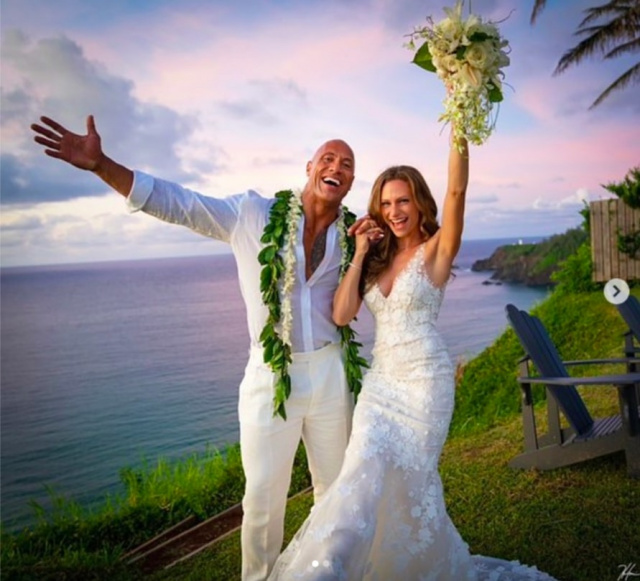 Bulgaria: Dwayne Johnson - Officially off the Market, Marries Longtime Girlfriend