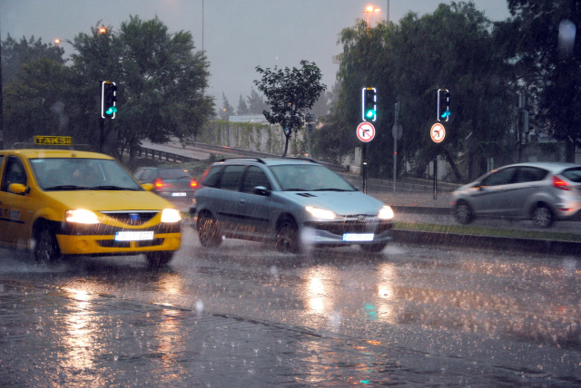 Bulgaria: Code Orange Warning of Heavy Rain Issued for Burgas Region