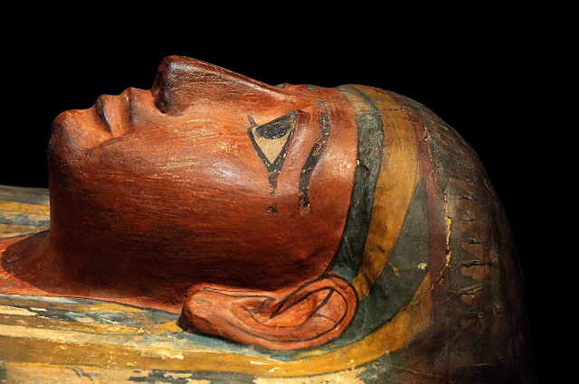 Bulgaria: Archeologists Discovered Three 3500-Year-Old Wooden Colourful Coffins in Egypt