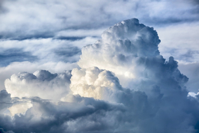 Bulgaria: Weather Forecast: Cloudy with Fogs