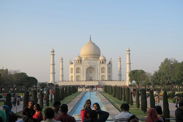 Bulgaria: Taj Mahal to be Cleaned for the First Time in 300 Years because of Donald Trump's Visit