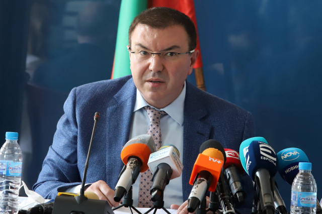 Bulgaria: LIVE, Health Minister of Bulgaria: Either We Observe the Measures or Move to Stricter Ones