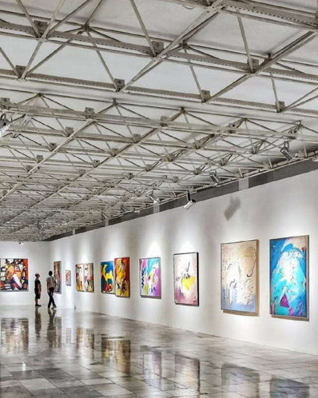 Bulgaria: Sofia Art Gallery Opens First 3D Exhibition of Chagall and Dali