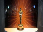 """Oscars 2021: """"Nomadland"""" Wins Best Picture, Anthony Hopkins Is Best Actor at 83"""