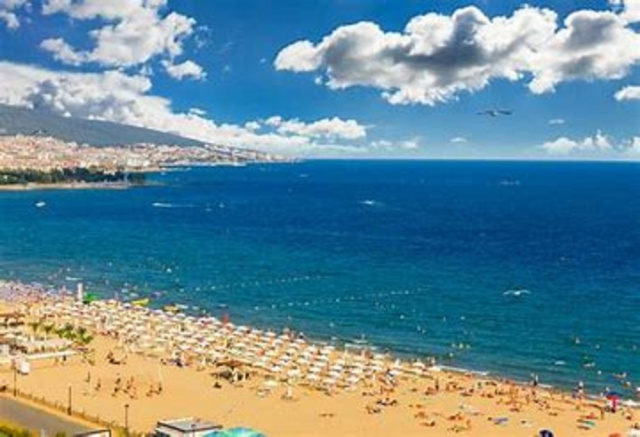 Bulgaria: Bulgaria: Summer Season Kicked off at Sunny Beach, Only 20 Percent of Hotels Welcome Guests