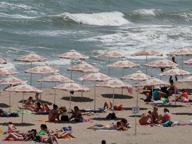 Bulgaria: Russian Tourists Allowed to Vacation in Bulgaria, First Charters Arrive in June