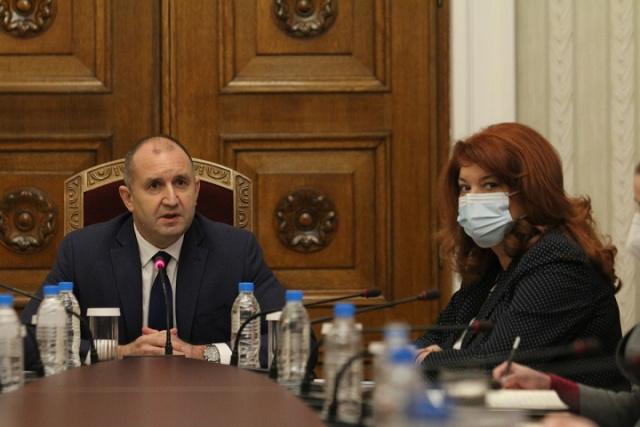 Bulgaria: Bulgaria: President Radev Briefs EU, US Ambassadors on Caretaker Government Priorities