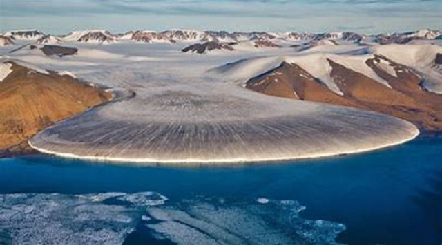 Bulgaria: Greenland Ice Sheet Melting by 8 Billion Tonnes a Day Due to Heatwave