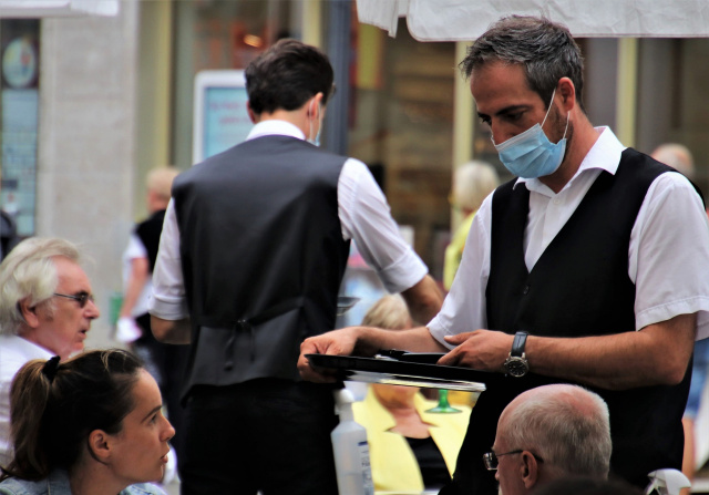 Bulgaria: In Bucharest, as of Today, Masks are Once Again Mandatory in Busy Public Places