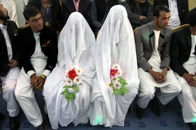 Afghani Brides And Grooms Attend A Collective Wedding Ceremony In Ghazni Afghanistan 15 October 2017 The Oswa An Independent Organization Arranged